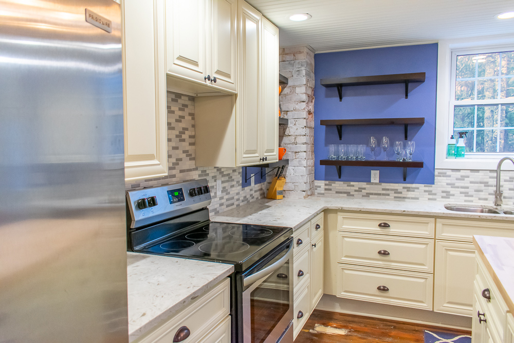 Tropical White Quartz Kitchen Countertops